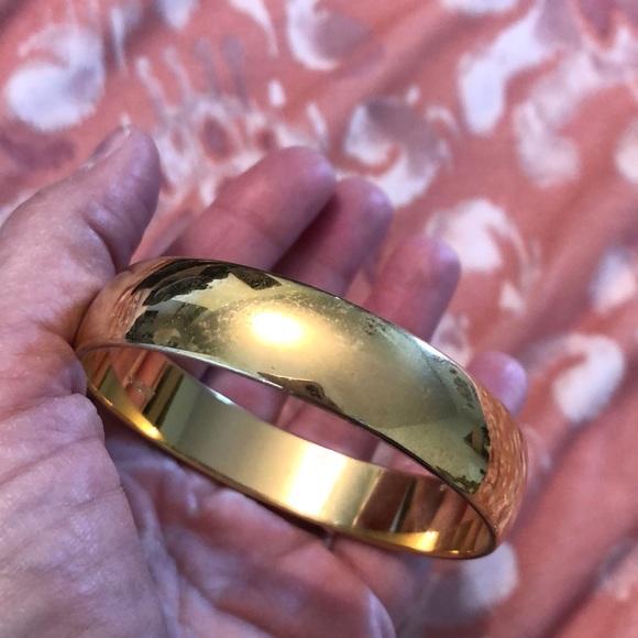 Monet vintage heavy gold colored bangle bracelet
